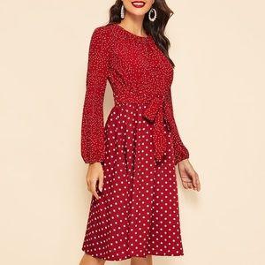 ✨Beautiful red polka dot midi dress!! ✨